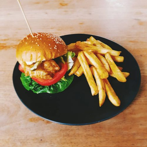 Did you know that every Tues-Fri from 12-3pm you can grab a $15 lunch special at the Northcote Social Club? Nah? Now you do.  Comes with a pot of Carlton, glass of house wine or soft drink. Rotating menu this week includes our super spesh fish burger! 🍔 #northcotesocialclub #melbournefood #melbourneeats #burgers