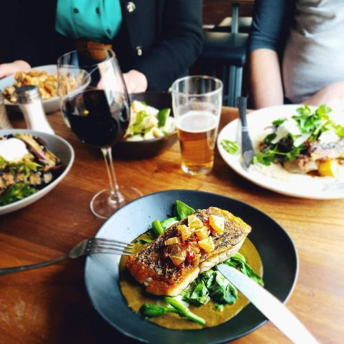 Get out of the extremely unimpressive Melbourne weather and into the pub for an extremely impressive dinner spread courtesy of our new spring menu.  How good does the fish look?! 😍👌 #northcotesocialclub #melbournefood  #melbourneeats