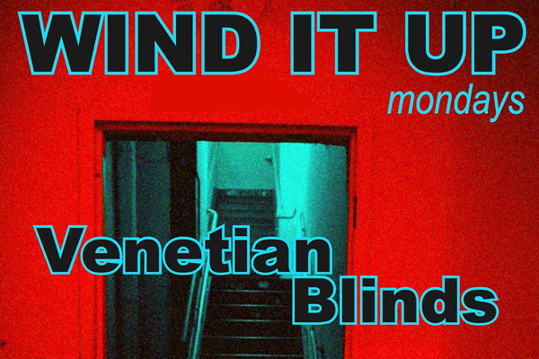'Wind It Up' WITH VENETIAN BLINDS / PINK LIPS / CURVES
