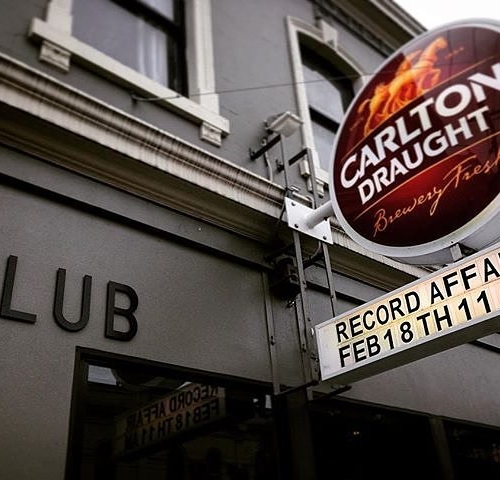 The Melbourne edition of Record Affair is fast approaching! How does scoring some new wax whilst sinking a coldie sound? More info at: http://bit.ly/2k0sH2T 📷: @lazybettymb #vinyl #records #melbournemusic #melbournepubs