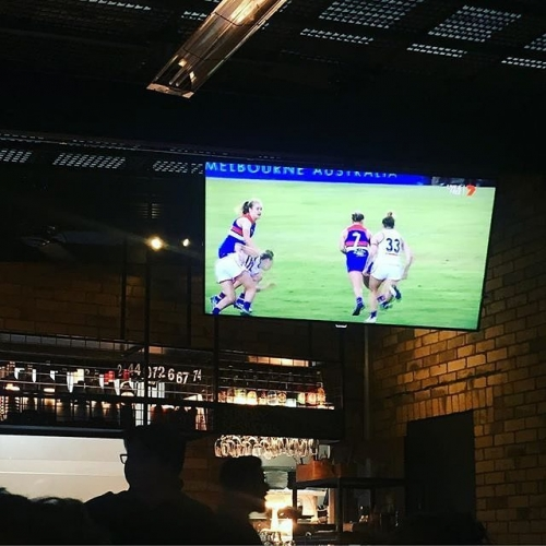 Some things in life go perfectly together. Beer and burgers.. snags and sauce.. the pub and the footy.  All the AFLW action on the tele at the NSC again this weekend! 📷: @jaime_vulture
