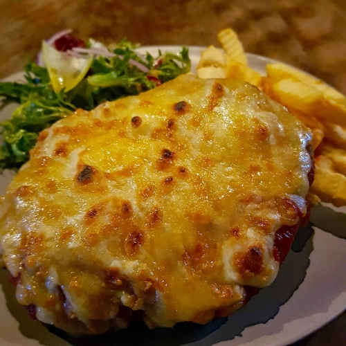 If the cheese on your parma ain't bubbling away, GTFO of whatever sub-par establishment you've stumbled into and get to the NSC where we'll be getting stuck into this baby.  Mondays mean $15 parmas, free live music and cheap jugs!