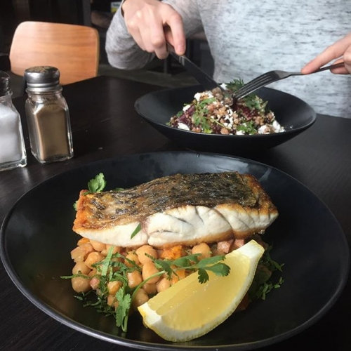 Meet some of our lunch specials this week: seared barramundi w/chickpeas and a roasted beetroot salad 😍 $15 with a pot or house wine, 12-3pm Tue-Fri! #northcotesocialclub #northcote #food #melbournebars #melbournefood #lunch