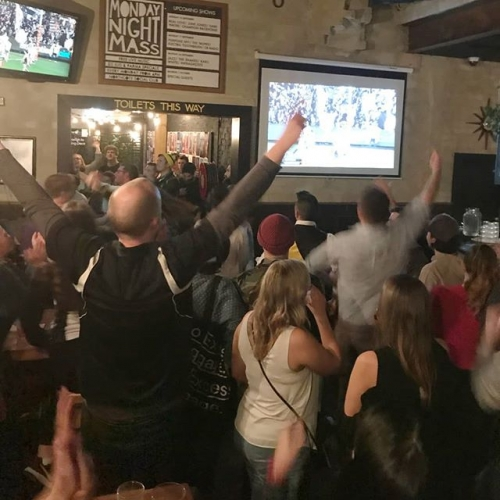BIG vibes at the pub last night. Looks like it's well and truly magpie swooping season after all.