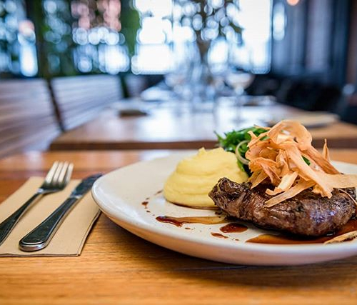 Another outstanding addition to our new menu! Scotch fillet with a whole bunch of tasty trimmings including parsnip mash AND parsnip chips. 👌