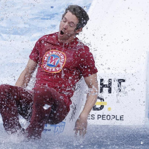 Shout-out to our mate Bob Murphy who took the plunge for the Big Freeze at the footy last week wearing none other than a Melbourne Bitter shirt.  True  to  form. Buy this man a beer if you see him 'round the pub why dontcha.