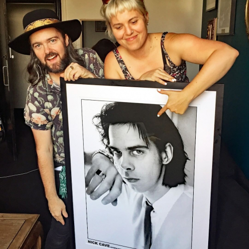 @jordielanemusic and @lizstringeraus hanging out with old mate Nick before their benefit gig the other night!  Kindly donated by The Picture Box on High St and auctioned off for charity at the show. Special shout-out to all the other local businesses and mates who donated to the benefit raffle as well, including:  @palacewestgarth  @thesweetlifetattoo The Book Grocer @greenhorseaus @art.stretchers.melbourne @goatbeer @cornerhotel @samuelpepyswine @thornbury_picturehouse @echo_tone @neishaclothing @foundsound_ @tibbsandbones @tinkernorthcote @greenbutterflyhair @the.fair.trader @f45_training_northcote @lulusmelb @littlelocal_dc A Quirk Of Fate, @dixonsrecords Silk Road Rugs and Tours @shortround_ @rocksteadyrecords and @remedydrinks 👏