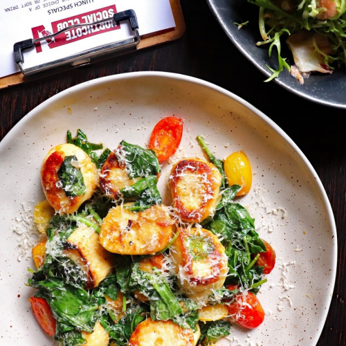 Lunch specials are back on at the pub! Available from 12-3pm every Tuesday to Friday, suss this week's menu in our stories now.  ps. get the gnocchi.