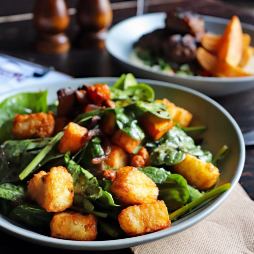 SEE THE HALOUMI, TASTE THE HALOUMI.  Pumpkin and haloumi salad with caramelised onion and fried chickpeas sittin' pretty on this week's lunch specials. Full menu up in our stories now.